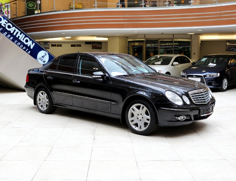 Mercedes-Benz E-klasse <br />3.0 AT (231 л.с.) 4WD