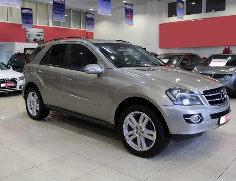 Mercedes-Benz M-klasse <br />3.0d AT (190 л.с.) 4WD
