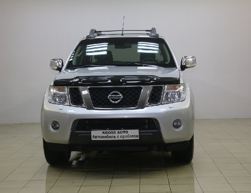Nissan Navara <br />2.5d AT (190 л.с.) 4WD