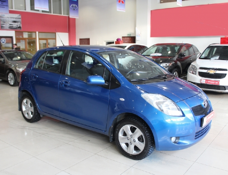 Toyota Yaris <br />1.3 AT (87 л.с.)