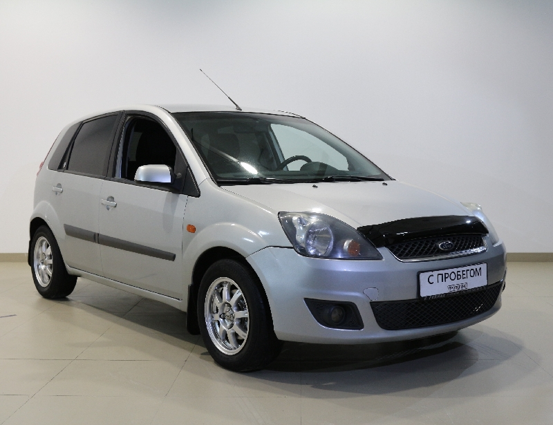Ford Fiesta <br />1.6 MT (100 л.с.)