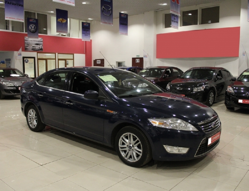 Ford Mondeo <br />1.6 MT (125 л.с.)