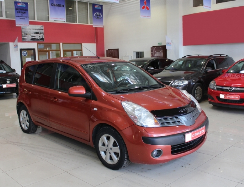 Nissan Note <br />1.6 MT (110 л.с.)